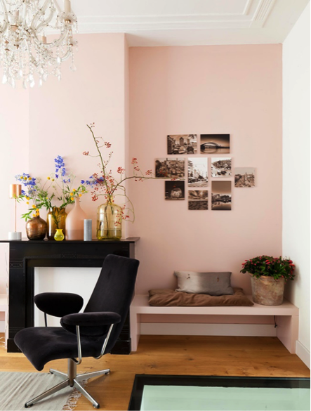 Source : frenchyfancy.com/inspiration-interieur-salon-decoration-rose/